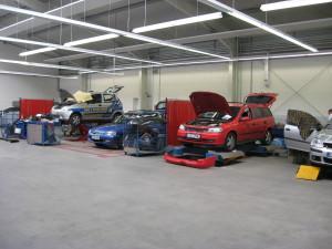Unser Karosserie-Bereich besitzt die neusten Technologien, damit ihr Fahrzeug schnell und preiswert instand gesetzt werden kann.