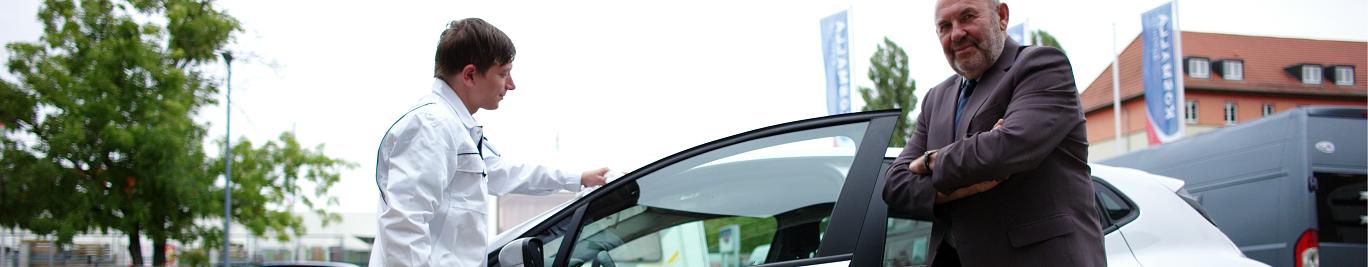 Wir bereiten ihr Fahrzeug für die Leasingrücknahme auf und bessern, in Absprache mit Ihnen, Schäden aus.
